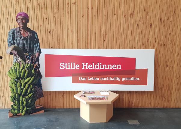"""Ausstellung """"Stille Heldinnen"""" bei Ballsport e.V."""