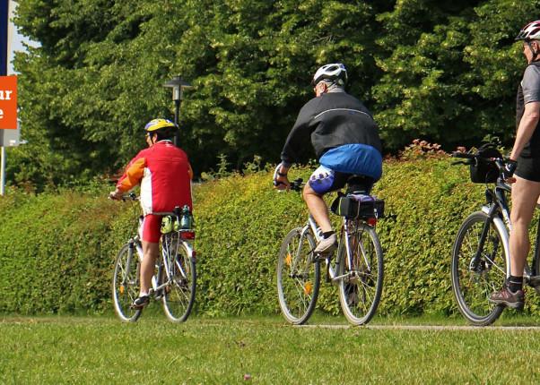 Rauf auf's Rad zur HelpAge Bike-Tour