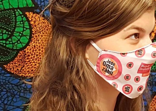 Banner HelpAge Maske