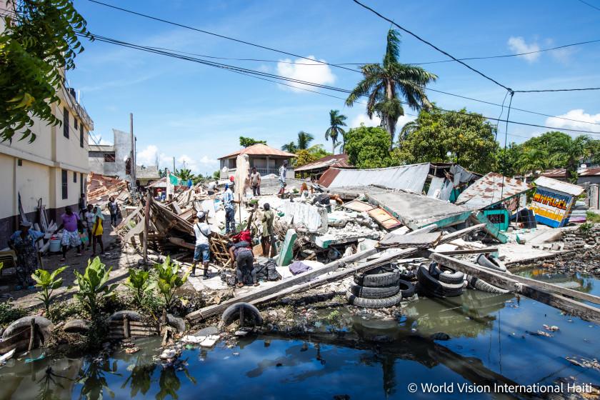 Nach dem Erdbeben auf Haiti im August 2021 sind viele Häuser zerstört.