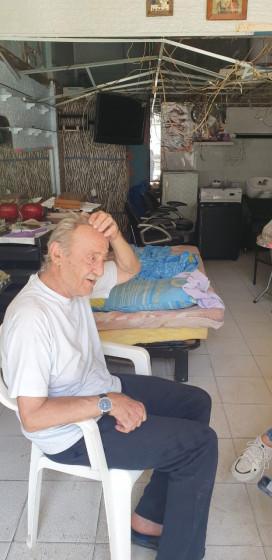 Georges Gebran 67 Jahre - Friseusalon und Existen zersört