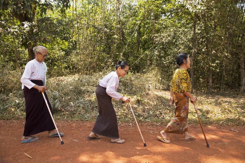 Ngwe Khin, Chaw Tin und Aye Thin (Myanmar)